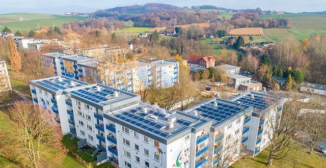 OZE Projekt a fotowoltaika na dachu.