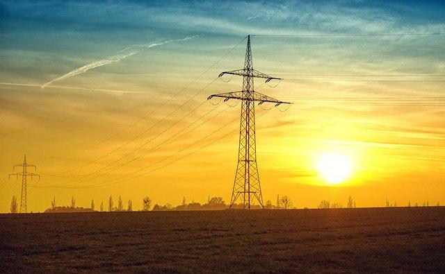 linia-energetyczna-ceny-pradu-2021